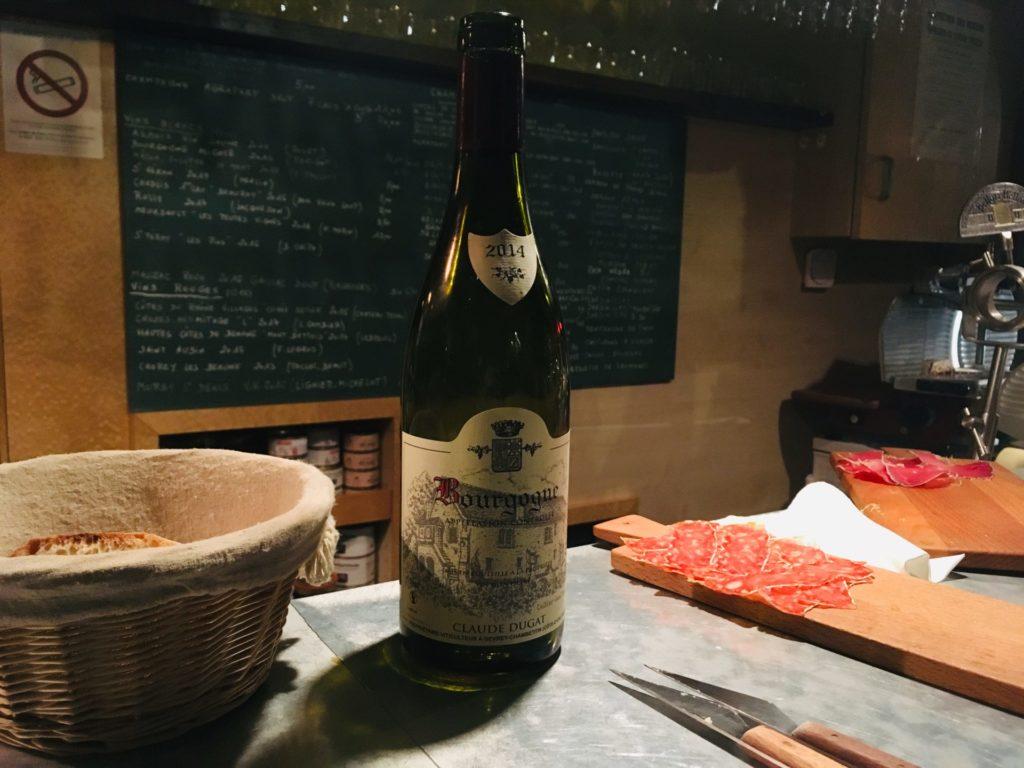Eine Flasche Rotwein von Claude Dugat